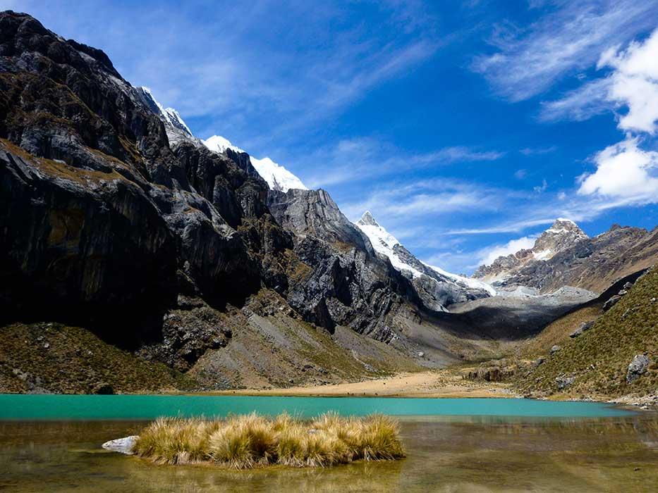 Montagne Lac bleu turquoise