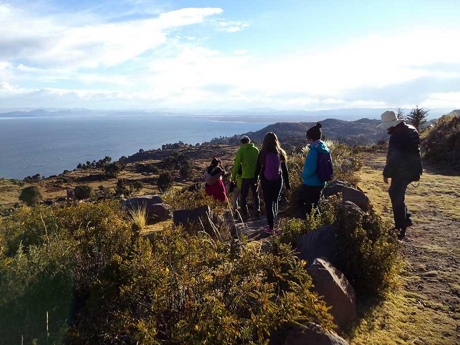 Randonnée paysage lac titicaca