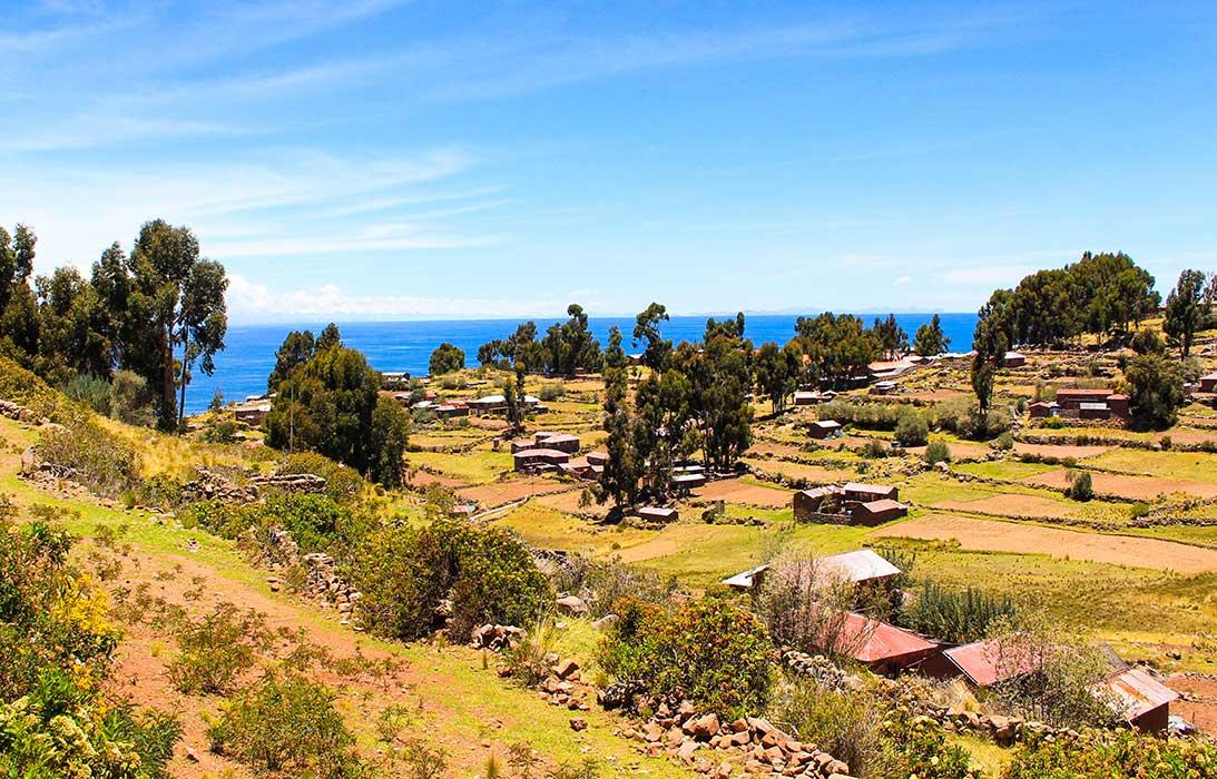 Paysage ciel lac titicaca